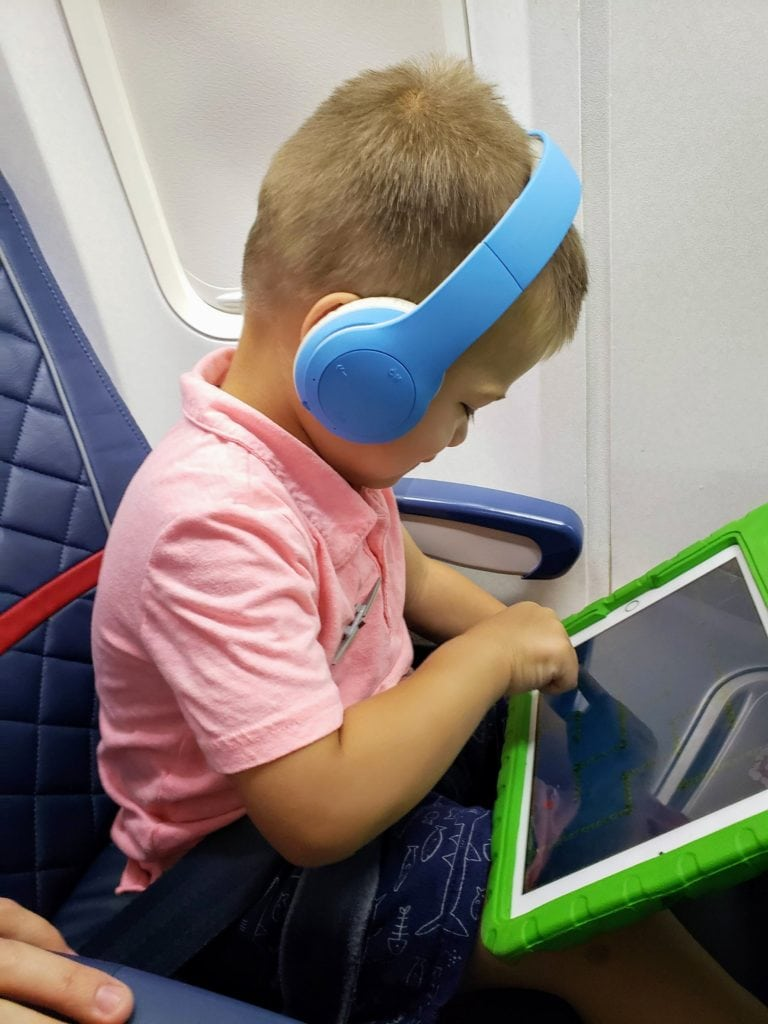 toddlers on planes