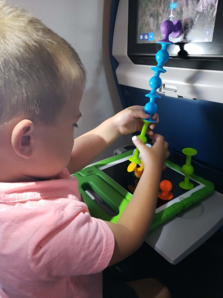 squigz on the plane