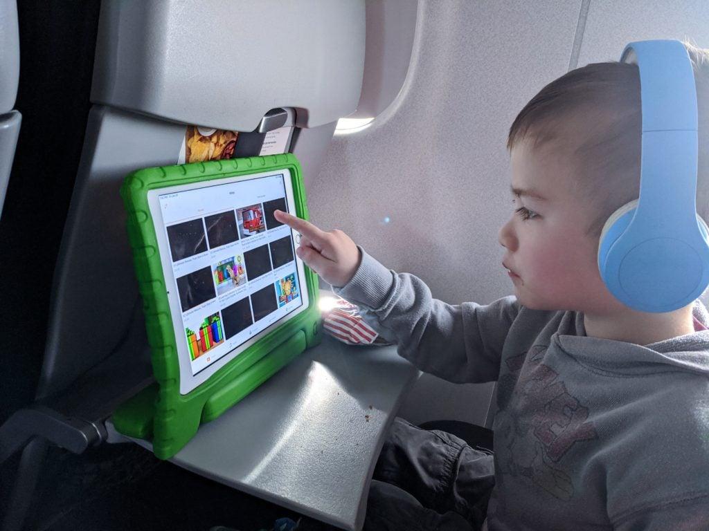 Happy kiddo on the plane